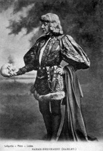shakespeare, amleto col teschio in mano